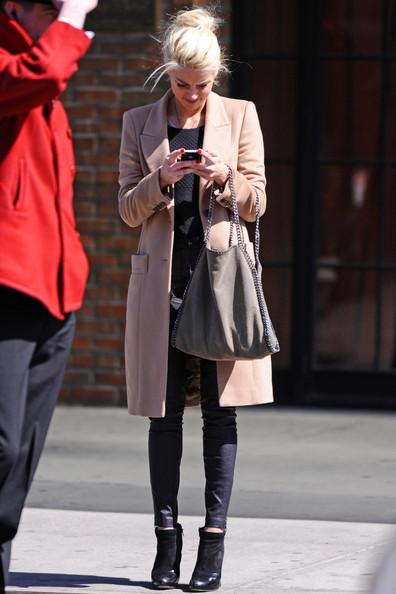 On The Street Amber Heard Belighter