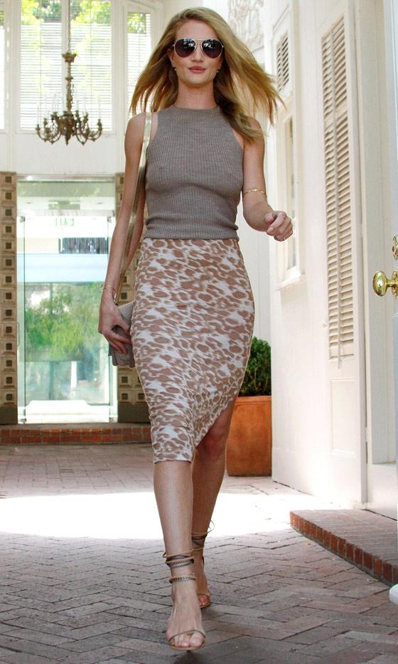 Street Style Rosie Huntington Belighter