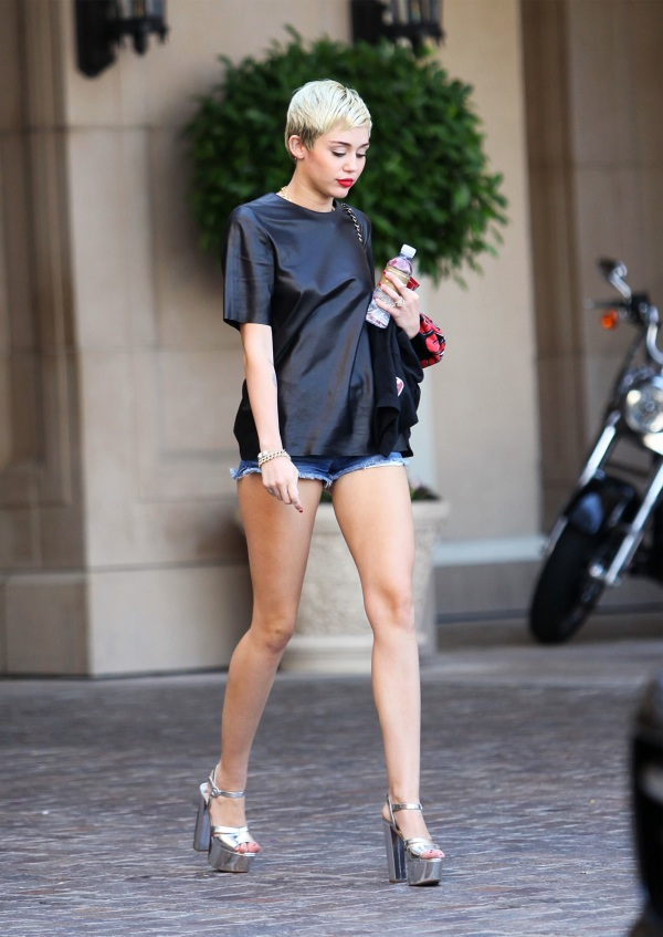 street style miley cyrus belighter