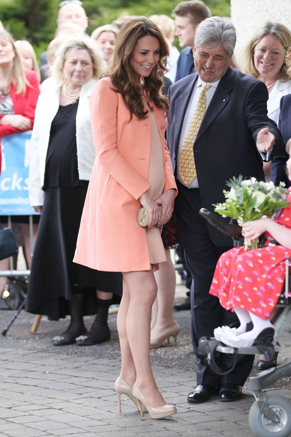 duchess-of-cambridge-vogue-1-29apr13-rex_b_592x888