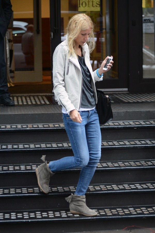 Gwyneth-Paltrow-R13-Skinny-Medium-Blue-1-e1368462449628