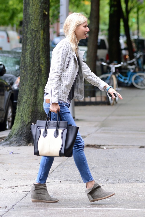 Gwyneth-Paltrow-R13-Skinny-Medium-Blue-2-e1368462463699