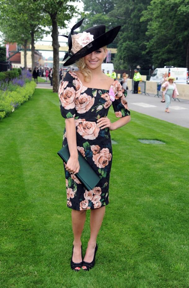 Pixie-Lott-Wearing-Dolce-Gabbana-Royal-Ascot-Ladies-Day