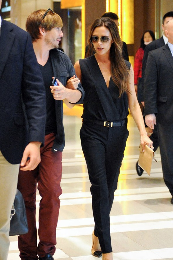 victoria-beckham-ken-paves-vogue-24jun13-rex_b_592x888