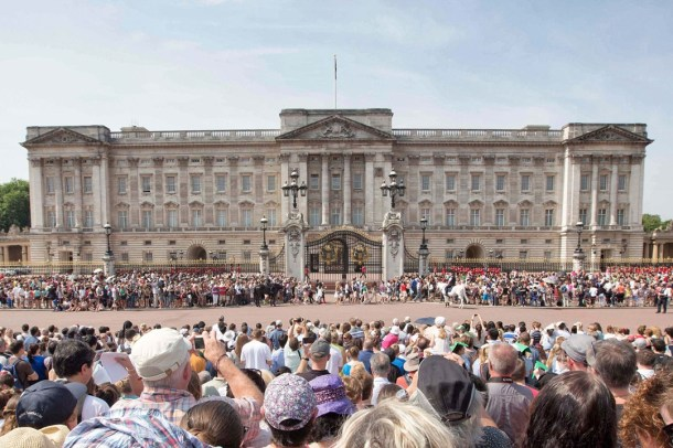 buckingham-palace-vogue-22jul13-pa_b_1080x720