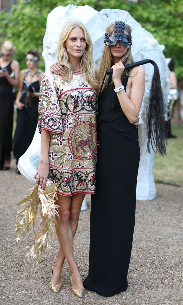 delevingne-cara-poppy-animal-ball-100713