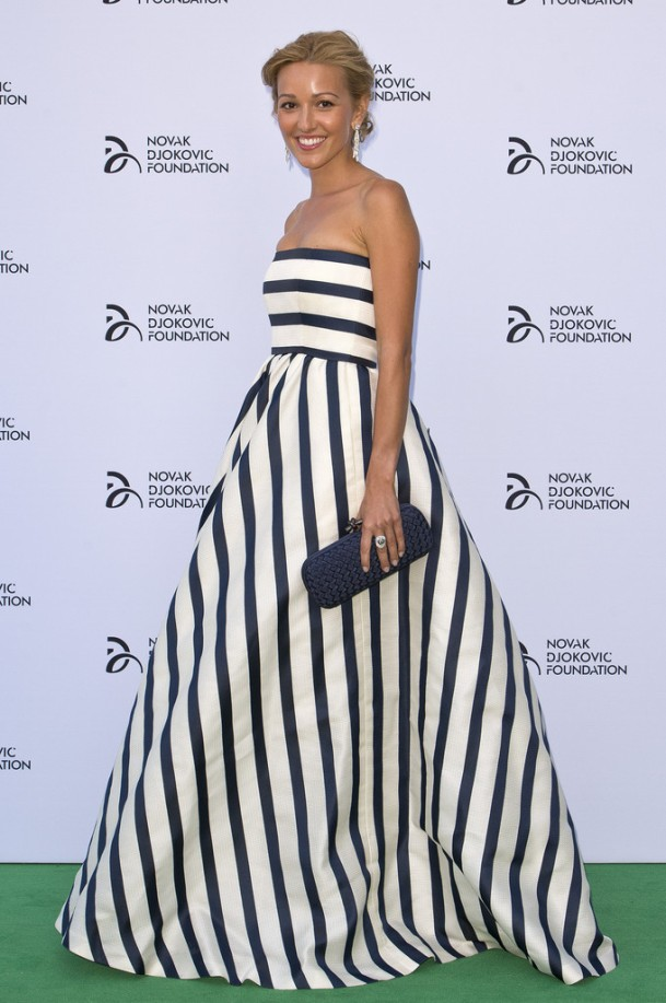 Jelena-Ristic-striped-Oscar-de-la-renta-dress-Novak-Djokovic-Foundation-London-Gala-dinner
