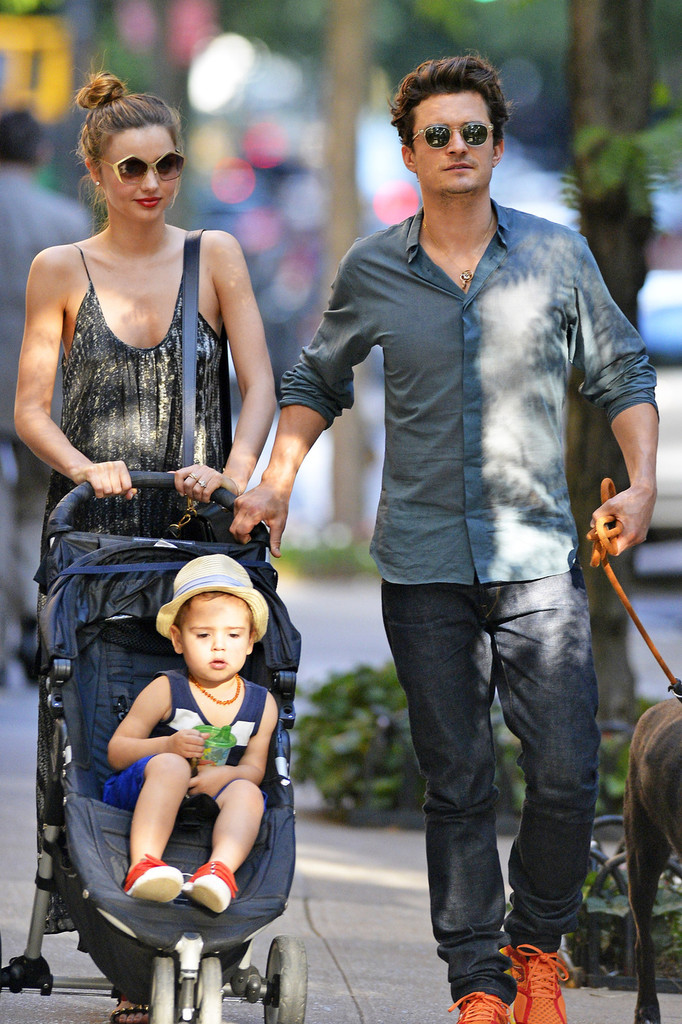 Street Style: Miranda Kerr and Orlando Bloom   BeLighter