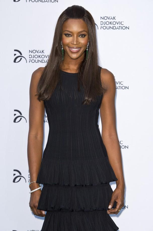 Naomi-Campbell-Wearing-Azzedine-Alaïa-Novak-Djokovic-Foundation-London-Gala-Dinner-6