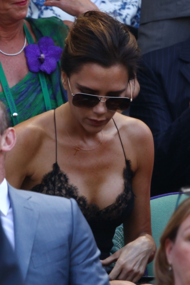 Victoria-Beckham-Louis-Vuitton-dress-2013-Wimbledon-Final-Andy-Murray-Vs.-Novak-Djokovic-4