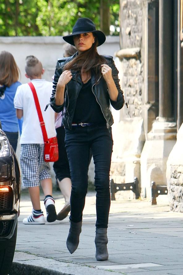 Victoria-Beckham--Vogue-8Jul13-Wenn_b_592x888